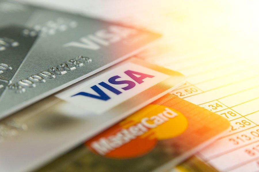 Kreditkarten mit Zusatzgebühren?